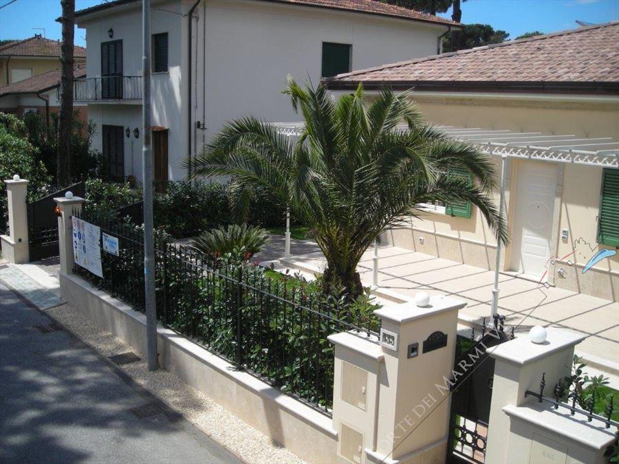 Villa    Petrosa  : Vista esterna