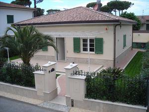 VILLA PETROSA  villa singola in affitto e vendita Marina di Pietrasanta