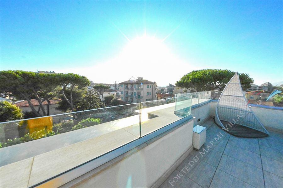 Attico Lido di Camaiore: Appartamento in vendita a Lido di Camaiore