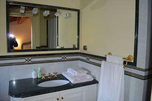 Villa Signora : Bathroom with shower