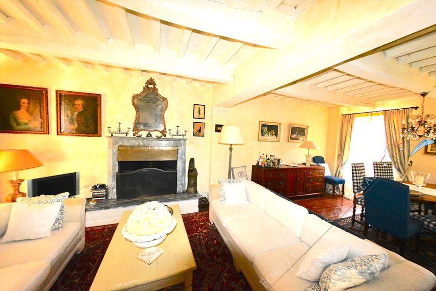 Villa Capriglia   Vista mare  : спальня с двумя кроватями