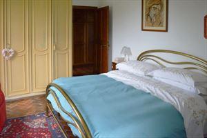 Villa Adelaide : спальня с двуспальной кроватью