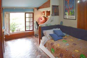 Villa Adelaide : спальня с односпальной кроватью