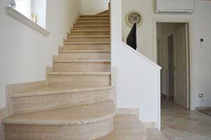 Villa Bianca : мраморная лестница