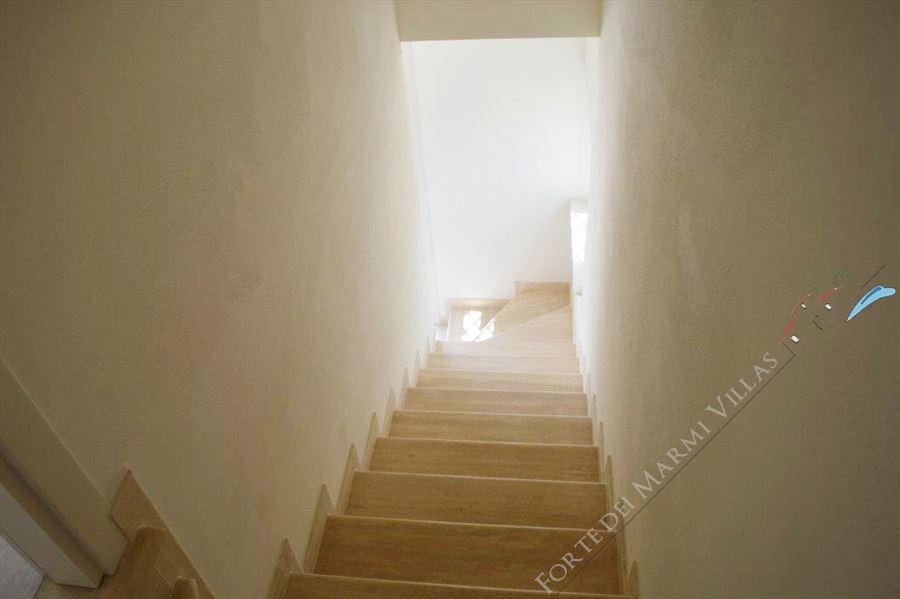 Villa Bianca : Marble stairs