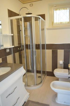 Villa Bianca : Ванная комната с душем