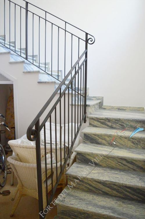 Villa Tremonti : Marble stairs