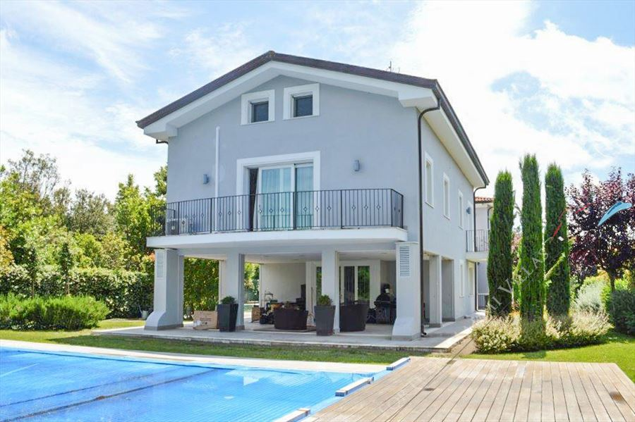 Villa Monet Forte detached villa to rent and for sale Forte dei Marmi