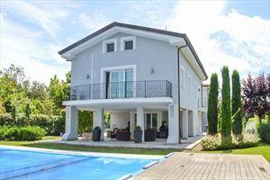 Villa Monet: Отдельная вилла продается Форте дей Марми