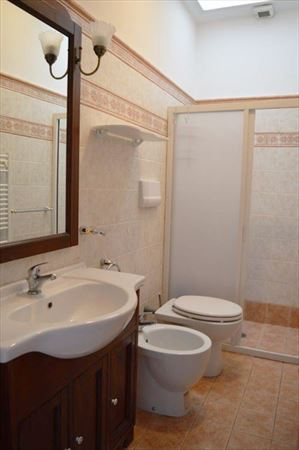 Bilocale Picolit : Ванная комната с душем