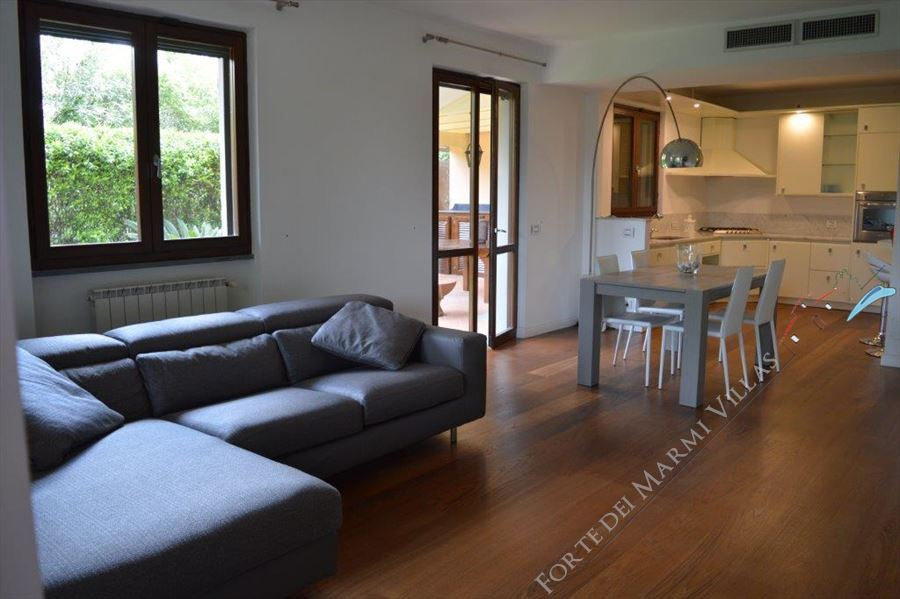 Villa Cloe - Semi detached villa To Rent Forte dei Marmi