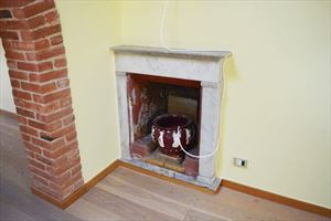 Appartamento Pietrasantese : Fireplace