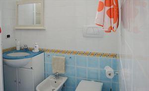 Villa Grazia : Ванная комната с душем