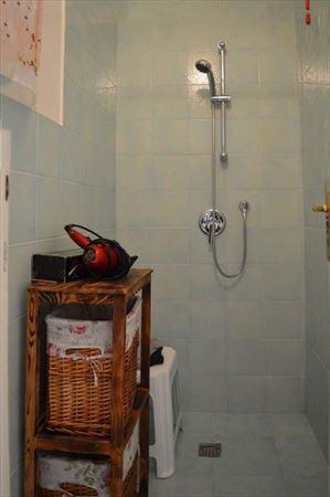 Villa Grazia : Bathroom with shower