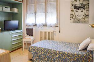 Villa Grazia : спальня с односпальной кроватью