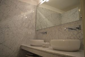 Villa Cloe : Bathroom with shower