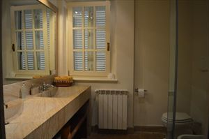 Villa Botero : Bathroom with shower