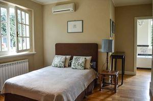 Villa Botero : спальня с двуспальной кроватью