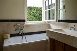 Villa Botero : Ванная комната с ванной