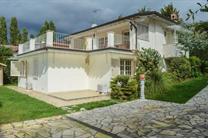 Villa Botero : Вид снаружи
