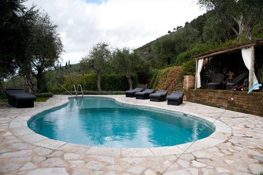 Villa Panorama Отдельная вилла Аренда и на продажу Пьетрасанта