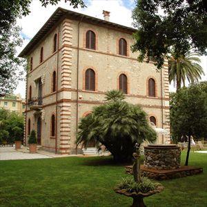 Villa Rubino   : villa singola in affitto Roma Imperiale Forte dei Marmi