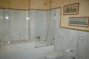 Villa Rubino   : Bathroom with shower