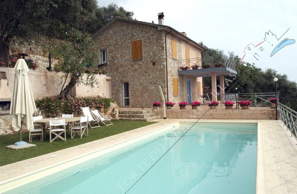 Villa  Ocean View  detached villa to rent and for sale Pietrasanta