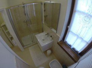 Villa Fiorella    : Bagno con doccia