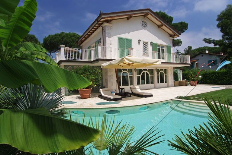 Villa Luminor - Detached villa to Rent and for Sale Forte dei Marmi