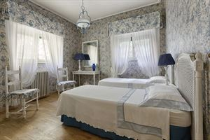 Villa Di Sapore : спальня с двумя кроватями