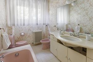 Villa Di Sapore : Bathroom with tube