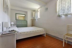 Villa Di Sapore : спальня с двуспальной кроватью