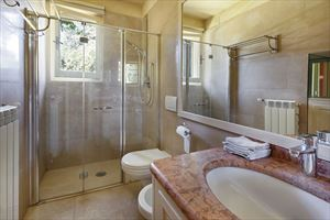 Villa Di Sapore : Bathroom with shower