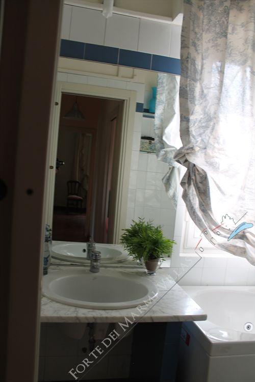 Villa  Ronchi Mare : Bagno con vasca