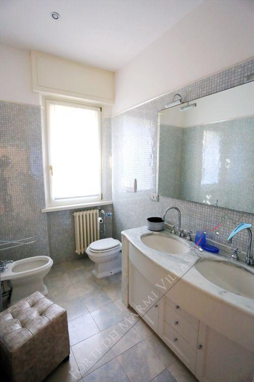Villa La Pace  : Bathroom with shower