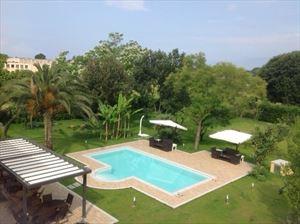 Villa Canario : Вид снаружи