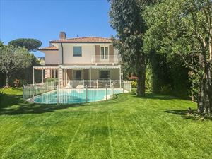 Villa Mirabella  villa singola in affitto Vittoria Apuana Forte dei Marmi