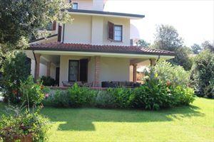 Villa Fiorella    : Outside view
