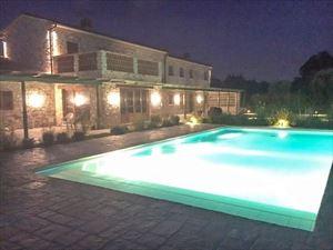 Villa Maestosa : Piscina