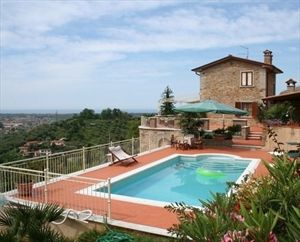 Villa Arianna : detached villa to rent Ripa Pietrasanta