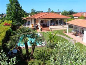 Villa dei Fiori : Outside view
