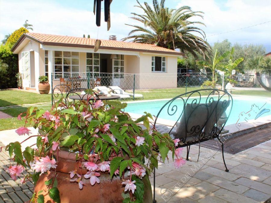 Villa dei Fiori : Piscina