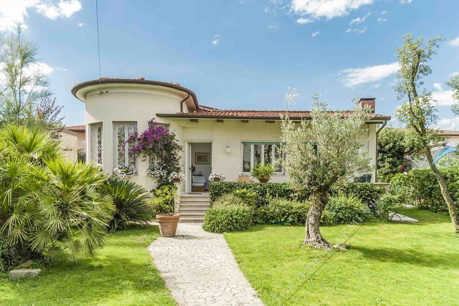 Villa La Riva - Detached villa To Rent Marina di Pietrasanta
