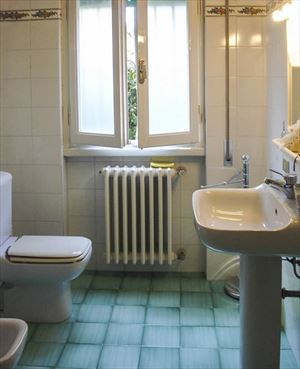 Villa La Riva : Bathroom