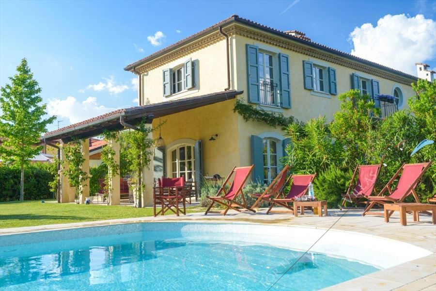 Villa Principe detached villa to rent Forte dei Marmi