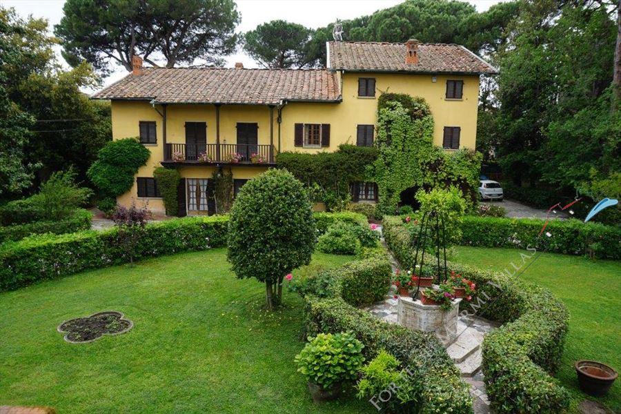 Villa Isola Nobile Viareggio Отдельная вилла Продажа Виареджио