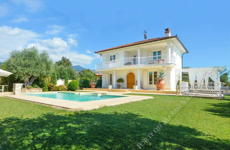 Villa Orchidea - Detached villa to Rent and for Sale Forte dei Marmi