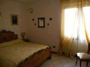 Villa Verona    : спальня с двуспальной кроватью
