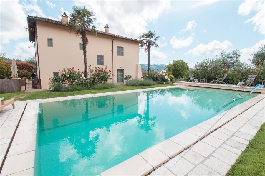Villa Unique Detached villa  to rent  Camaiore